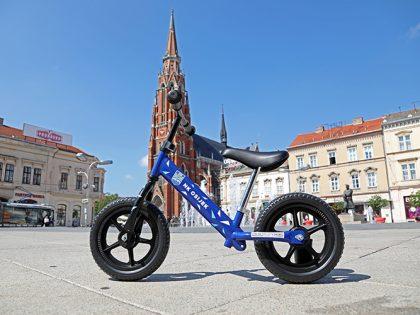 Jedinstveni NK Osijek bicikl koji je obišao grad na Dravi!
